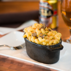craft beer and mac n cheese restaurant photo